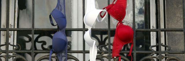 Soutiens-gorge bleu blanc rouge (hommage du 27.11.2015)